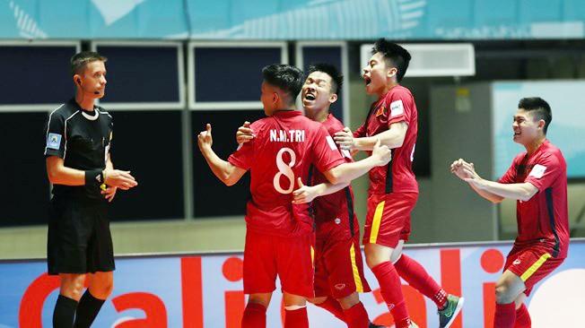 Các tuyển thủ Việt Nam ăn mừng trong trận thắng Guatemala (ảnh FIFA)