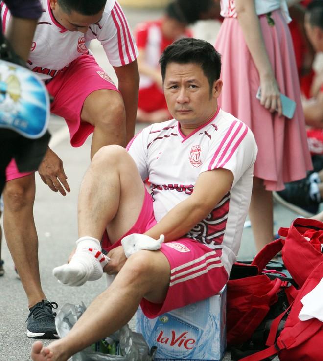 """Bằng Kiều """"đối đầu"""" Hồng Sơn trong trận đấu bóng đá từ thiện đầy ý nghĩa ảnh 2"""