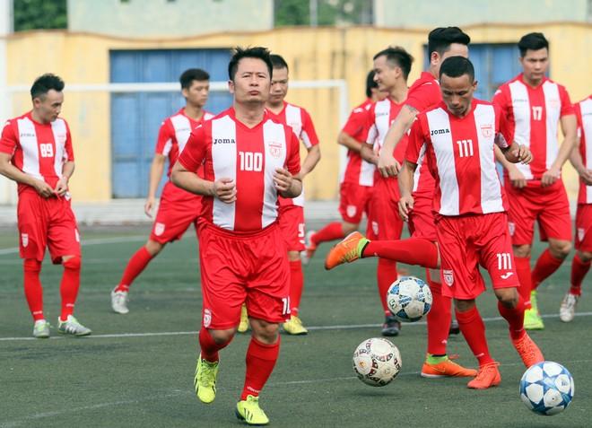 """Bằng Kiều """"đối đầu"""" Hồng Sơn trong trận đấu bóng đá từ thiện đầy ý nghĩa ảnh 3"""
