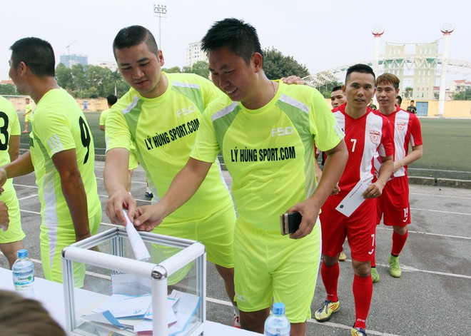 """Bằng Kiều """"đối đầu"""" Hồng Sơn trong trận đấu bóng đá từ thiện đầy ý nghĩa ảnh 12"""