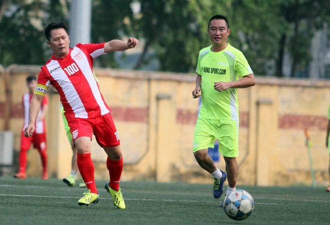 """Bằng Kiều """"đối đầu"""" Hồng Sơn trong trận đấu bóng đá từ thiện đầy ý nghĩa ảnh 7"""