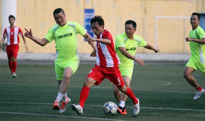 """Bằng Kiều """"đối đầu"""" Hồng Sơn trong trận đấu bóng đá từ thiện đầy ý nghĩa ảnh 6"""