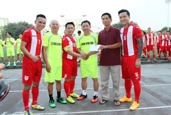 """Bằng Kiều """"đối đầu"""" Hồng Sơn trong trận đấu bóng đá từ thiện đầy ý nghĩa ảnh 14"""