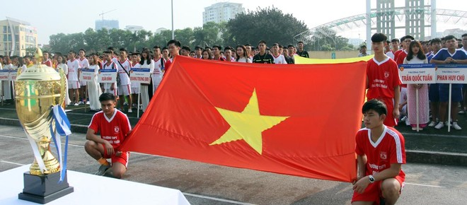 Tưng bừng khai mạc giải bóng đá học sinh THPT Hà Nội - Báo ANTĐ 2016 ảnh 2