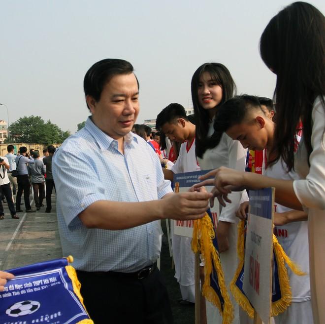 Tưng bừng khai mạc giải bóng đá học sinh THPT Hà Nội - Báo ANTĐ 2016 ảnh 7