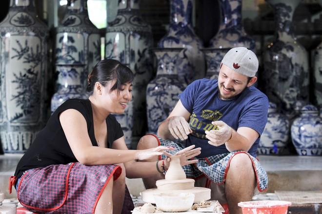 Tình yêu quê gốm (tác giả Chu Văn Tân)