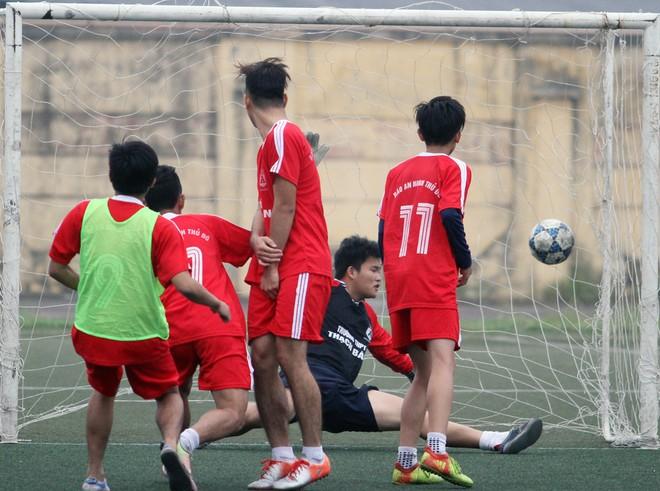 THPT Trần Quốc Tuấn và THPT Nguyễn Thị Minh Khai vào chung kết ảnh 2