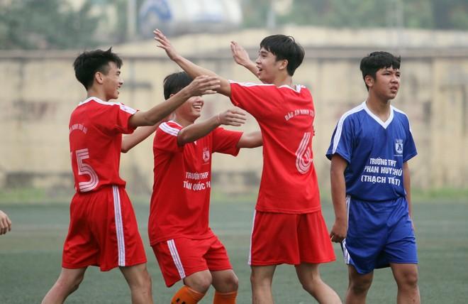 THPT Trần Quốc Tuấn và THPT Nguyễn Thị Minh Khai vào chung kết