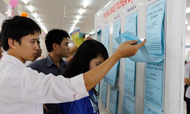 Đại biểu Bùi Sỹ Lợi băn khoăn với thực trạng lượng lớn sinh viên ra trường thất nghiệp