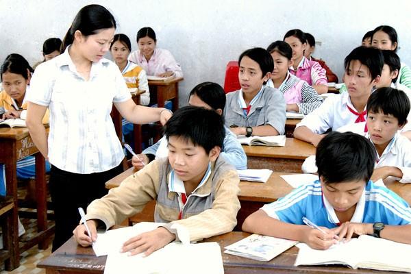 Cần có phương pháp giáo dục tại gia đình, nhà trường và giảm bớt tác động tiêu cực xã hội