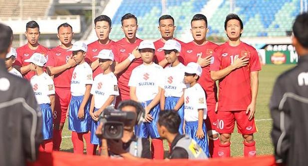 Thắng sát nút Malaysia, tuyển Việt Nam đặt một chân vào bán kết AFF Cup