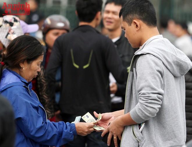 3 triệu đồng/cặp vé chợ đen trận Việt Nam - Indonesia