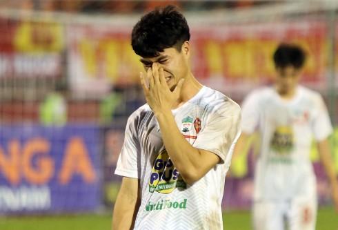 """""""Vua phá lưới mùa 2015"""" Nguyễn Công Phượng không còn là chính mình và cùng U21 HAGL sớm bị loại từ bán kết"""