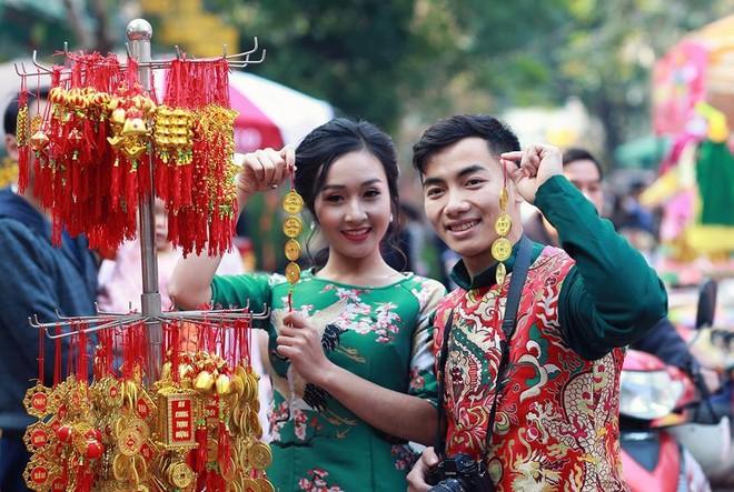 Hotboy thể dục Phạm Phước Hưng du xuân cùng bạn gái xinh đẹp ảnh 4
