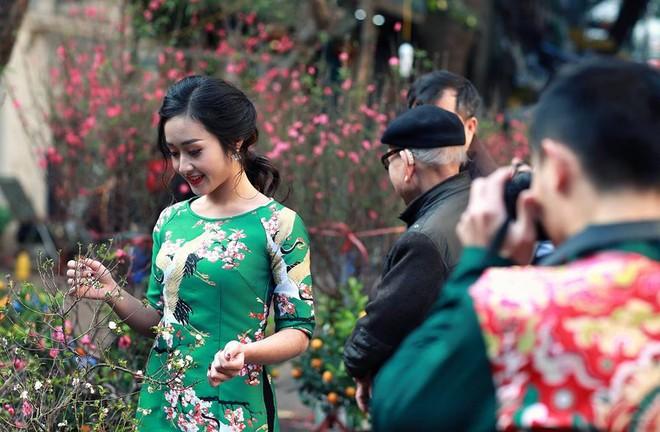 Hotboy thể dục Phạm Phước Hưng du xuân cùng bạn gái xinh đẹp ảnh 7