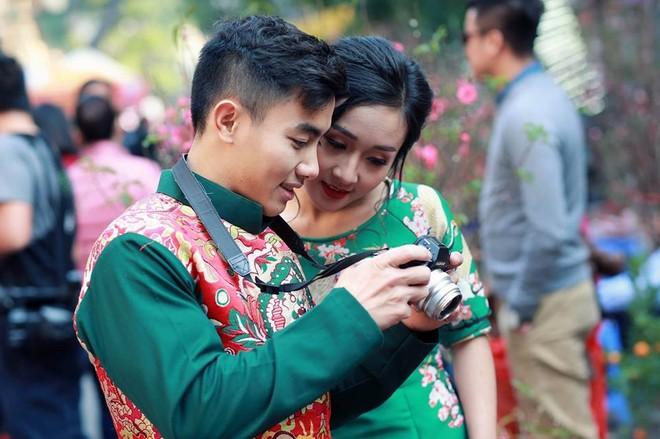 Hotboy thể dục Phạm Phước Hưng du xuân cùng bạn gái xinh đẹp ảnh 8