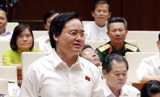Bộ trưởng Phùng Xuân Nhạ phát biểu giải trình các ý kiến đại biểu nêu