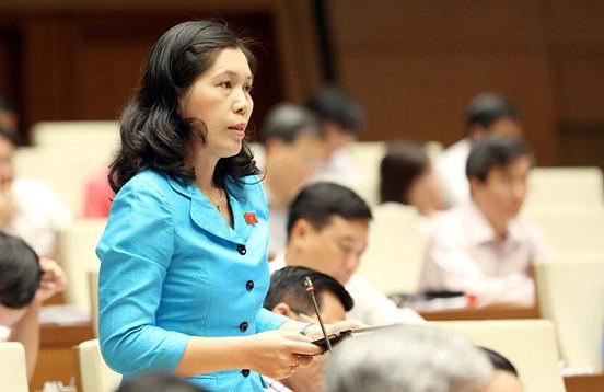 Đại biểu Trần Thị Phương Hoa (Hà Nội) phát biểu