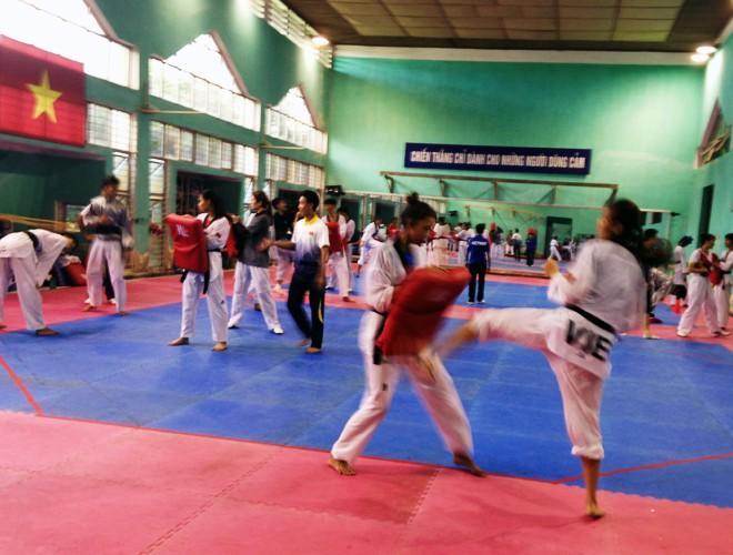 Các đội tuyển tích cực tập luyện tại Trung tâm Nhổn, chuẩn bị tranh tài SEA Games 29