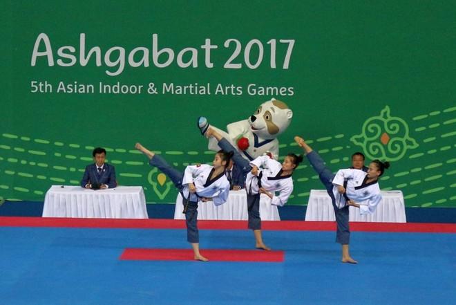 'Hot girl' taekwondo Châu Tuyết Vân cùng đồng đội giành HCV châu Á