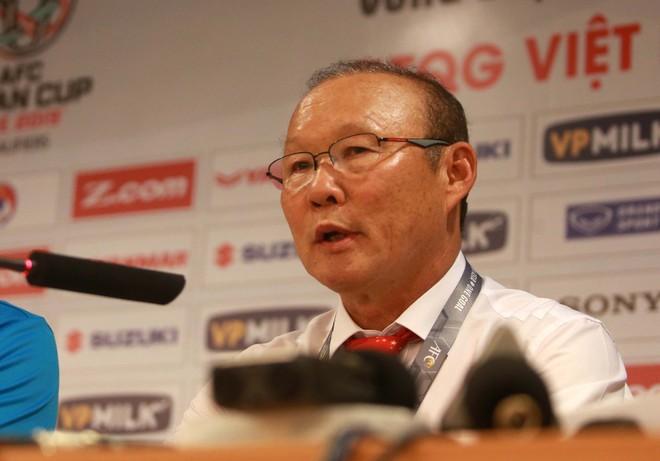 HLV Park Hang-seo chia sẻ tại họp báo sau trận