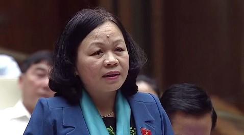 Đại biểu Nguyễn Thị Mai Hoa chất vấn