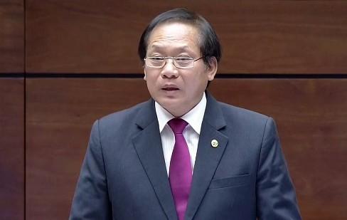 Bộ trưởng Thông tin - Truyền thông Trương Minh Tuấn trả lời chất vấn sáng 17-11