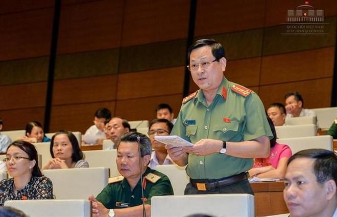 Đại biểu Nguyễn Hữu Cầu cho rằng sự ra đời Luật An ninh mạng là cần thiết