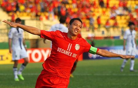 Anh Đức đi vào lịch sử với kỷ lục cầu thủ Việt ghi 17 bàn ở V-League