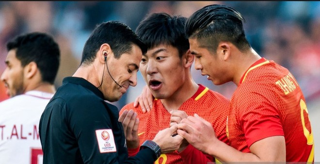 Cầu thủ U23 Trung Quốc có thể bị AFC phạt nặng do hành vi không đúng mực với trọng tài và cầu thủ Qatar, trong và sau trận đấu
