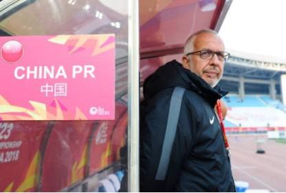 HLV Maddaloni có nguy cơ lớn bị sa thải sau kết quả thất vọng cùng chủ nhà U23 Trung Quốc tại vòng chung kết U23 châu Á 2018