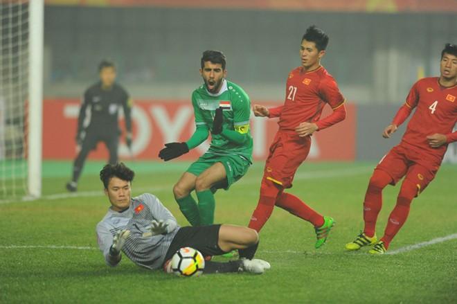 Thủ môn Tiến Dũng phải tiêm thuốc giảm đau trước trận và hai lần xịt giảm đau trong trận, góp công lớn vào chiến tích giành tấm vé bán kết U23 châu Á lịch sử