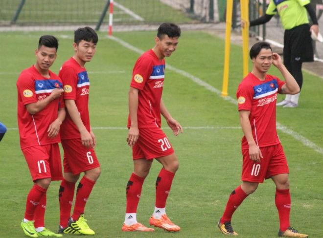 """Những """"người hùng U23"""" như Văn Thanh (17), Xuân Trường (6), Công Phượng (10)... sẽ giúp HAGL được chú ý nhiều hơn tại mùa giải mới"""