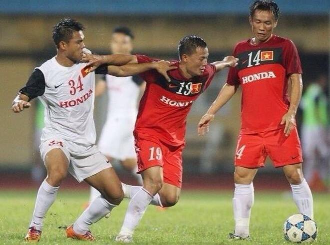 Hữu Khôi (số 34) từng được gọi lên tuyển U23 Việt Nam