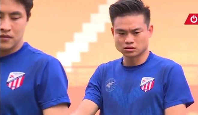 Tân binh Hữu Khôi cùng CLB Siheung City tập luyện chuẩn bị cho mùa giải 2018