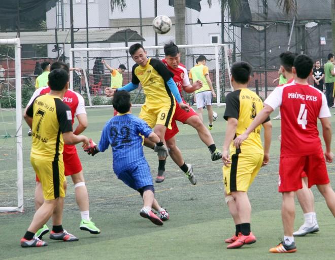 Đội bóng Báo ANTĐ đoạt giải Nhì
