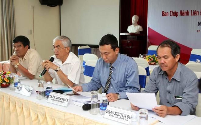 Ngoại trừ ông Trần Quốc Tuấn (thứ hai từ phải sang), 4/5 ủy viên Thường trực VFF đã xin rút không tranh cử nhiệm kỳ VIII