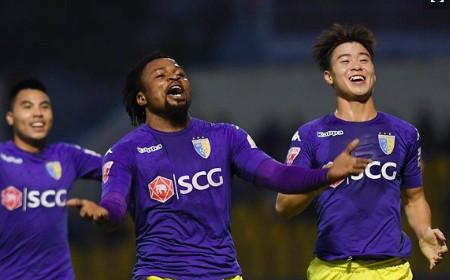 Oseni cùng CLB Hà Nội có con số 13 đáng nhớ sau lượt đi V-League 2018