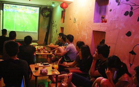 Khán giả Việt Nam có thể theo dõi World Cup tại các quán cà phê, nhà hàng