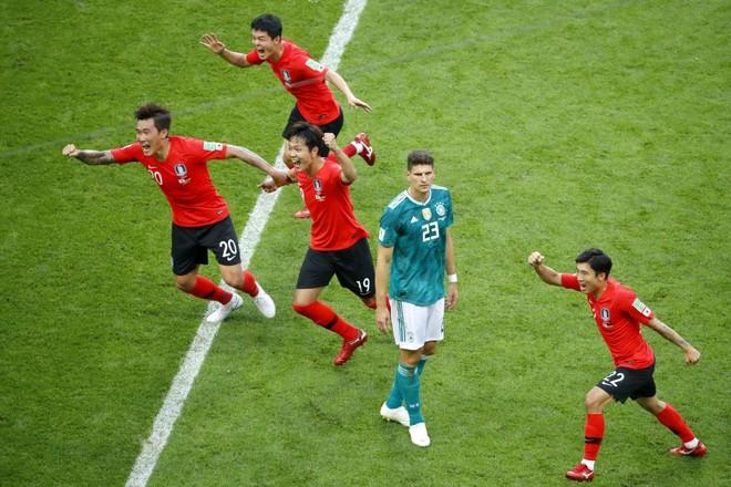 Tâm thế của người bị loại khỏi World Cup: Một cúi mặt, một ngẩng cao đầu ảnh 2