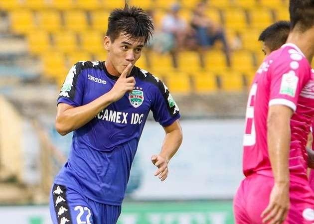 Tiền đạo 21 tuổi Nguyễn Tiến Linh đã 10 lần lập công tại V-League 2018
