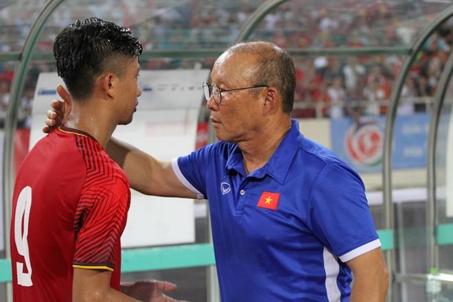 """""""Vạn sự khởi đầu nan"""", HLV Park Hang-seo tự tin vào một kết quả tốt trong trận ra quân chiều nay trước Olympic Pakistan"""