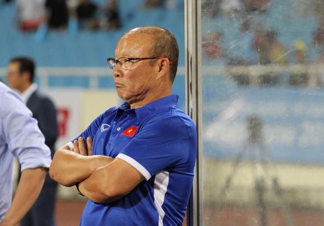 HLV Park Hang-seo sẽ phải tính tới việc đánh bại Nhật Bản để dễ thở tại vòng knock-out