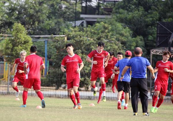 Thầy trò HLV Park Hang-seo trong buổi tập chuẩn bị cho trận gặp Nhật Bản