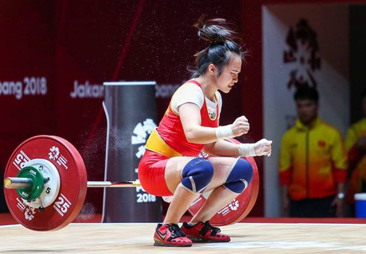 Vương Thị Huyền kết thúc phần thi với tổng cử 181kg, xếp thứ tư chung cuộc