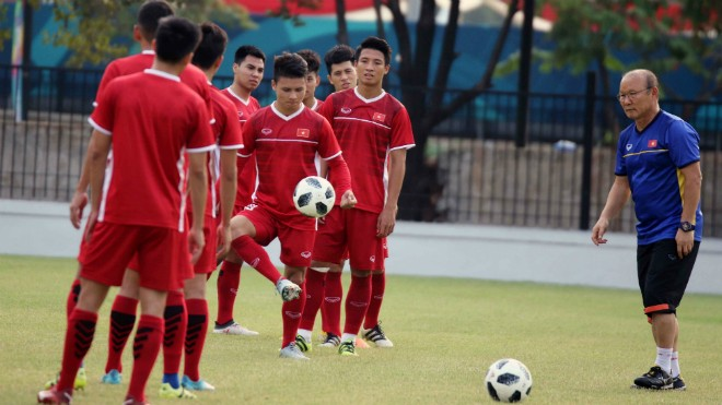 Thầy trò HLV Park Hang-seo sẵn sàng đá luân lưu để tranh HCĐ với UAE ngày 1-9 tới