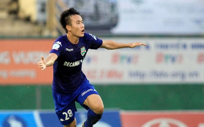 Tô Văn Vũ bị treo giò hết V-League 2018