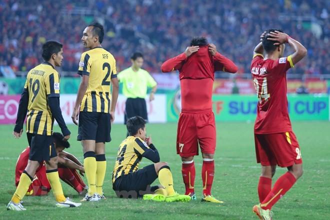 AFF Cup 2014, ĐT Việt Nam từng thắng 2-1 lượt đi nhưng thua đau Malaysia 2-4 tại lượt về trên sân Mỹ Đình