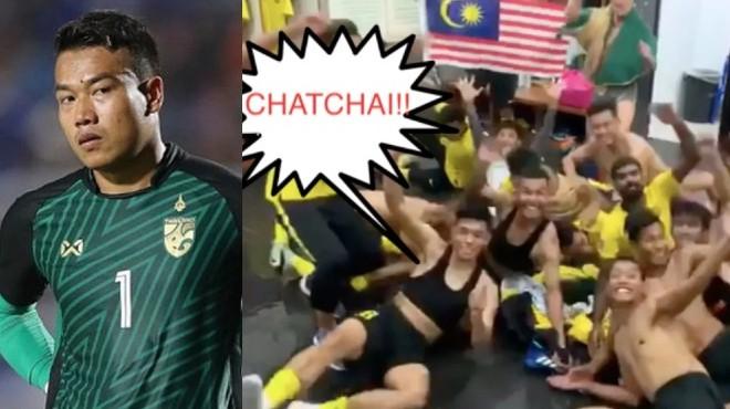 Cầu thủ Malaysia chế giễu thủ môn Chatchai của Thái Lan trong phòng thay đồ