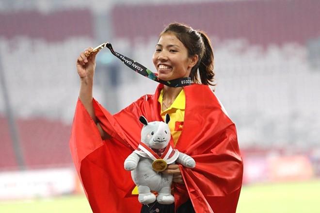 Bùi Thị Thu Thảo thắng sít sao Nguyễn Quang Hải để lần đầu giành danh hiệu cao quý: VĐV tiêu biểu toàn quốc 2018.